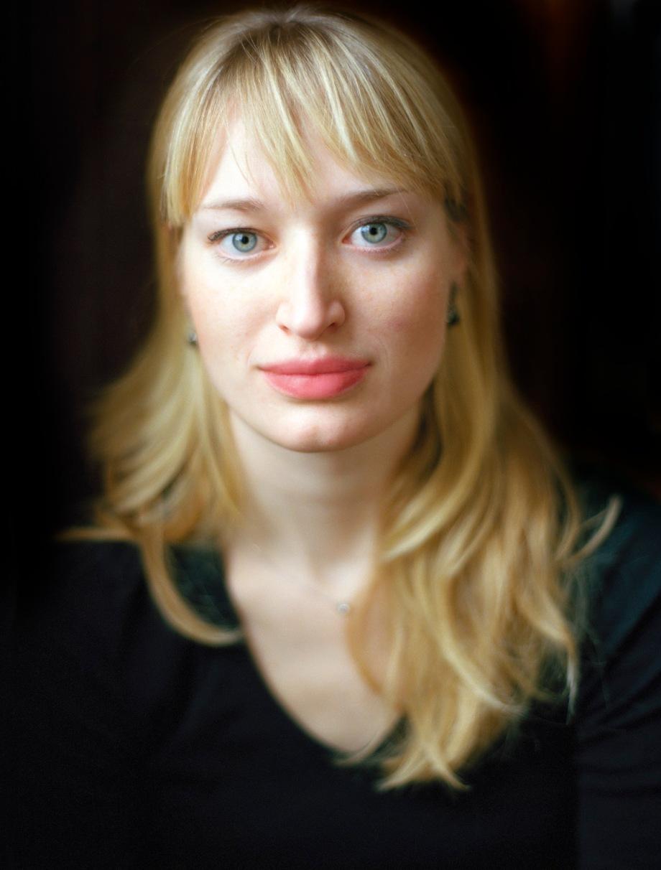 Face to Face:Anna